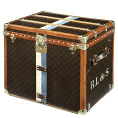 Love this Louis Vuitton 'Cube' trunk (Argentine colours). Would make a great table between two chairs.
