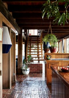 The Design Files – A Home With A Warm Hart.Photo – Caitlin Mills for The Design Files. Landscape Architecture Design, Interior Architecture, Australian Architecture, Landscape Architects, Australian Homes, Minimalism Living, Pop And Scott, Bright Homes, The Design Files
