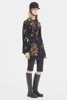 #ChristianDior   #fashion  #Koshchenets Christian Dior Pre-Fall 2017 Collection Photos - Vogue