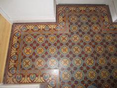Reproduktion von historischen Zementfliesen Cement Tiles, Animal Print Rug, Tile Floor, Flooring, Rugs, Home Decor, Farmhouse Rugs, Decoration Home, Room Decor