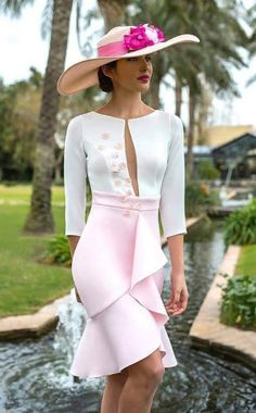 Classy white and pink outfit with hat. Outfits With Hats, Mode Outfits, Elegant Dresses, Beautiful Dresses, Look Fashion, Womens Fashion, Fashion Design, Dress Skirt, Dress Up