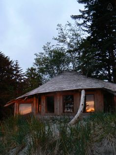 Simple, rustic, off-grid heaven. - Cabins for Rent in Haida Gwaii, British Columbia, Canada Holiday Destinations, Vacation Destinations, Charlotte City, Great American Road Trip, Haida Gwaii, Surf Shack, Close To Home, France, Cozy Cabin