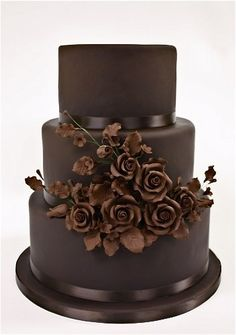 chocolate wedding cake..oh baby does this look rich and beautiful