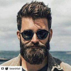 Super Bart und Sonnenbrille - Just like a Man - Hair Mens Hairstyles With Beard, Cool Hairstyles For Men, Haircuts For Men, Moustache, Beard No Mustache, Beard Styles For Men, Hair And Beard Styles, Curly Hair Styles, Great Beards