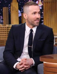 ryan reynolds haircut The 13 Original Styles of Military Haircut Regulations for Special Force Thin Hair Haircuts, Best Short Haircuts, Hairstyles Haircuts, Haircuts For Men, Short Hair Cuts, Short Hair Styles, Men Haircut Short, Ryan Reynolds Haircut, Haircuts For Receding Hairline