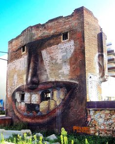 A Deranged Building Facade on the Streets of Barcelona by Penao