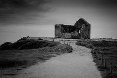 chapelle bretonne en ruines