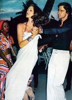 Lois Chiles and Sam Waterston by Chris von Wangenheim Vogue US 1973 | Temple Towels, www.templetowels.com