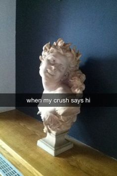 16 Statues Instantly Improved With Snapc Stupid Funny Memes, Funny Relatable Memes, Haha Funny, Reaction Pictures, Funny Pictures, Memes Lindos, Classical Art Memes, Mood Pics, Funny Art