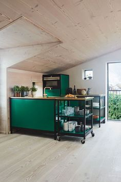 Stylish kitchen in green colours with gold zink and wood by Dinesen on the floor, walls and ceiling. A very modern, cosy warm and nordic styled kitchen. Modern Farmhouse Interiors, Farmhouse Living Room Furniture, Living Room Furniture Layout, Kitchen Furniture, Kitchen Lamps, Kitchen Lighting, Stylish Kitchen, Modern Kitchen Design, Interior Design Kitchen