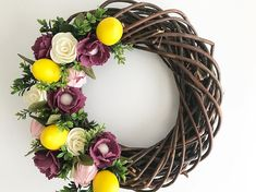 The idea of lemons has been swirling around in my head for so long!! Finally found the perfect combination and ITS DREAMY!!! #jadewithlove #handmade #handmadewithlove #handmadewreath #feltflowers #feltflower #feltflowerwreath #springwreath #doorwreath #etsy #etsyseller #etsyshop #etsysellersofinstagram #etsylove #etsyfinds #etsysale #etsygifts #etsyhandmade