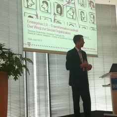 Jetzt Stephan Grabmeier mit dem Deutsche Telekom UseCase #ioms12 ^bg  - Radikale Transformation - Neuer Mindset für eine neue Arbeitskultur - Fünf Essentials