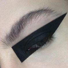 bold black eye-liner