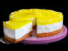 V létě se nepeču! Svěží citronový cheesecake| Cookrate - Czech - YouTube Romanian Desserts, No Cook Desserts, Biscuits, Cheesecakes, Vanilla Cake, Sweets, Healthy Recipes, Baking, Food