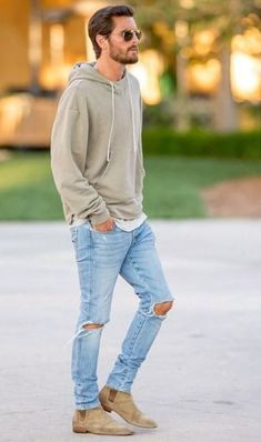 Chelsea Boots Men Outfit Ideas 6 chelsea boots outfits for men that are timeless urban Chelsea Boots Men Outfit. Here is Chelsea Boots Men Outfit Ideas for you. Chelsea Boots Men Outfit how to wear chelsea boots for any occasion the tren. Tan Suede Chelsea Boots, Chelsea Boots Outfit, Suede Boots Men, Boots Women, Grey Hoodie, Mode Man, Look 2015, Style Masculin, Men's Fashion Styles