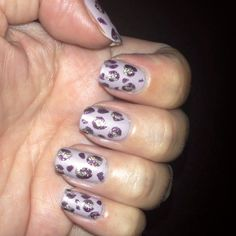 Animal print in matte and texture polish freehand