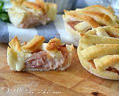 CROSTATINE DI PANCARRè con prosciutto e formaggio