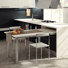 - Tables escamotables - Cuisine - Equipements - Ameublement