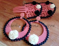 Pendientes y peinetas de flamenca. Forrados en tela de algodón, hecho a mano
