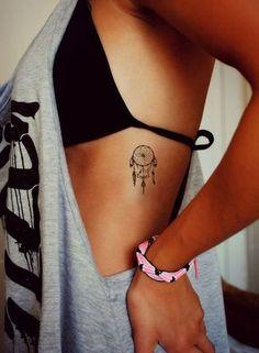 Dreamcatcher Tattoo Klein Sommer Tattoo Strand Tattoo Bohemian Tattoo Boho T Side Boob Tattoo, Girl Side Tattoos, Small Girl Tattoos, Cute Small Tattoos, Tattoo Girls, Tattoos For Women Small, Cute Little Tattoos, Cute Girl Tattoos, Awesome Tattoos