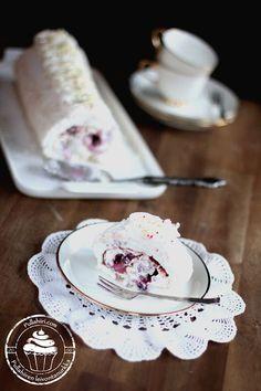 meringue swiss roll gluten free Meringue, Rolls, Gluten Free, Cheese, Tableware, Food, Healthy, Merengue, Glutenfree