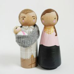 CUSTOM 3 Mama, Papa & new baby peg set with sling // baby shower cake toppers // cake toppers // wooden peg dolls Wood Peg Dolls, Clothespin Dolls, Mamas And Papas, Custom Cake Toppers, Wooden Pegs, Little Doll, Diy Doll, Baby Shower Cakes, Doll Accessories