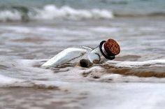 wenn es zufall gibt wie Ben es Gesagt hatt dan wir diese Flaschenpost direckt einem Meermenschen vor die Füße schwimmen