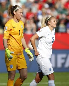 England goalkeeper Karen Bardsley and teammate Steph Houghton (5) react after giving up a goal in the last minutes against Japan during a semifinal in the FIFA Women's World Cup soccer tournament, Wednesday, July 1, 2015, in Edmonton, Alberta, Canada. Japan won 2-1. (Jeff McIntosh/The Canadian Press via AP) ▼1Jul2015AP|Own goal gives Japan 2-1 win over England in World Cup semi http://bigstory.ap.org/article/8e4b2ca2555a4b1e8a904b0704ffe240 #2015_FIFA_Womens_World_Cup…
