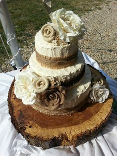 Beautiful rustic theme wedding cake