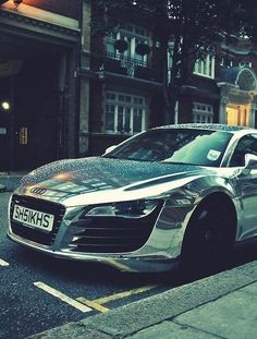 Audi R8 in Chrome - What I call a SEXYY RIIIDE !