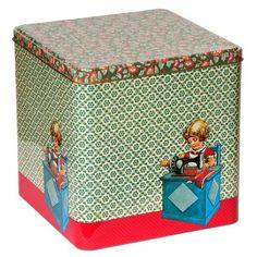 Om al je naaigerief, knoopjes, restjes stof in te bewaren. Ontworpen door de 2 creatieve meiden Froy, die fantastische collages maken van retro afbeeldingen. Vintage Tins, Tin Boxes, Keepsake Boxes, Creative Inspiration, Toy Chest, Vibrant Colors, Decorative Boxes, Collages, Diy Crafts