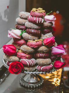 Donut wedding cake? Yes please!!
