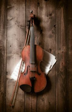 Акварельный Шерлок - Скрипка и ноты