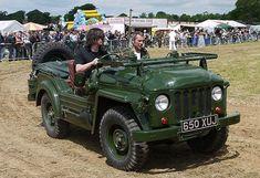 Vintage Trucks, Old Trucks, Pickup Trucks, Austin Cars, Jaguar Daimler, Ac2, Army Vehicles, British Army, Champs