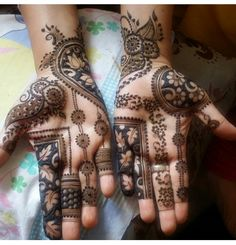 In this article, we recorded beneath top Arabic Mehndi designs in past years alongside pictures, that designs are ideal for any wedding and celebration occasions with any dress. Latest Bridal Mehndi Designs, Latest Arabic Mehndi Designs, Mehndi Designs For Girls, Mehndi Designs 2018, Modern Mehndi Designs, Mehndi Designs For Fingers, Wedding Mehndi Designs, Henna Tattoo Designs, Latest Mehndi