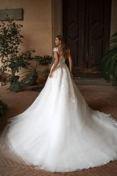Magbridal Glamorous Tulle Jewel Neckline A-line Wedding Dresses With Lace Appliques & Beadings Dream Wedding Dresses, Bridal Dresses, Wedding Gowns, The Bride, The Dress, Wedding Styles, Ball Gowns, Bouquet Toss, Globe