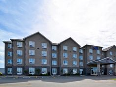 Saint John (NB) Best Western Plus Saint John Hotel and Suites Canada, North America Located in Glen Falls, Best Western Plus Saint John Hotel and Suites is a perfect starting point from which to explore Saint John (NB). Featuring a complete list of amenities, guests will find their stay at the property a comfortable one. Service-minded staff will welcome and guide you at the Best Western Plus Saint John Hotel and Suites. Comfortable guestrooms ensure a good night's sleep with ...