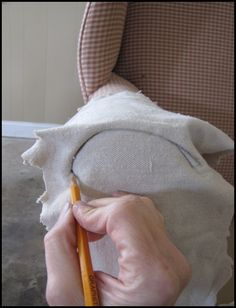 Another drop cloth slipcover tutorial. Lots of other drop cloth projects too!