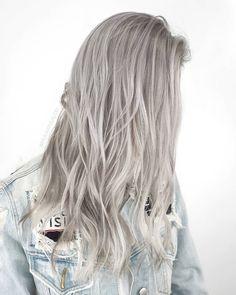 Silvery silver @mijuvansalon @fanola .1 . . . #losangelessalon #silverhair #hairstyles #mijuvansalon #fanola #asianhair