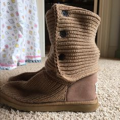 Ugg Classic Cardy Boots in camel color. Lightly worn but perfect condition on outside. Not worn often UGG Shoes Winter & Rain Boots