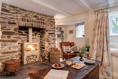 Sweetpea luxury self-catering cottage Crantock Beach in Cornwall, Crantock Beach luxury self-catering cottage