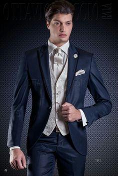 #fashionformal WWW.COMERCIALMOYANO.COM WWW.OTTAVIONUCCIO.COM #MADEINITALY Traje de novio azul para bodas civil y clásicas