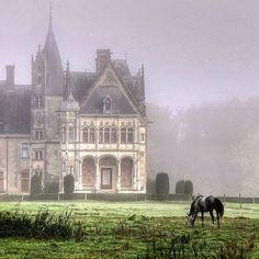 Château de Chambord, Loir-et-Cher, France    Bolsover Castle, England    Sintra, Portugal    Saumur Castle, France    Blarney Castle, Irela