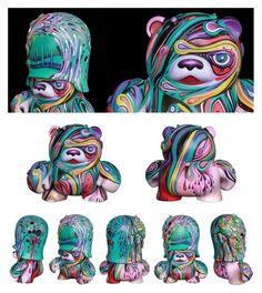 I know these are foreign but some of them are cute as can be.  Les Vinyl Art Toys customisés par Markie Darkie sont à dévorer des yeux   Ufunk.net