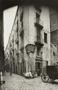Credit: Josep Brangulí/ANC Carrer de la Palma de Sant Just, circa 1910