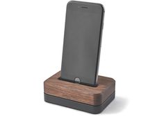 10 iPhone Docks That Will Look Awesome on Your Desk - UltraLinx