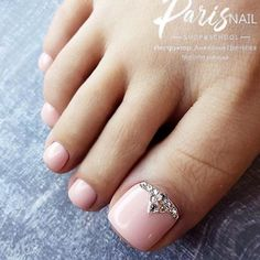 Nail Color 25 Trendy Ideas Of Homecoming Nails To Finish A Lovely Look Elegant Toe Nails In Nude Colors Nail Art Designs, Green Nail Designs, Colorful Nail Designs, Toe Nail Designs, Best Toe Nail Color, Nail Polish Colors, Summer Toe Nails, Fun Nails, Black Toe Nails