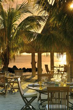 Dining on the beach, La Ravanne Restaurant, Mauritius (by Paradis Hotel). Beach Resorts, Hotels And Resorts, Dream Vacations, Vacation Spots, Italy Vacation, Places To Travel, Places To See, Beautiful World, Beautiful Places