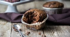 I muffin vegan al cioccolato, caffè e peperoncino sono un dolcetto dal sapore sicuramente accattivante e deciso Oat Muffins, Breakfast, Oatmeal Raisin Muffins, Morning Coffee, Oatmeal Muffins