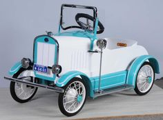 Roadster Car, Car Jokes, Baby Bike, Vintage Cycles, Power Cars, Kids Ride On, Pedal Cars, Mini Bike, Small Cars